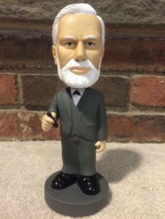 sigmund-freud-bobblehead-by-accoutrements-no-box-1a3400c0b73f95a748d1a4675108afa1 copia